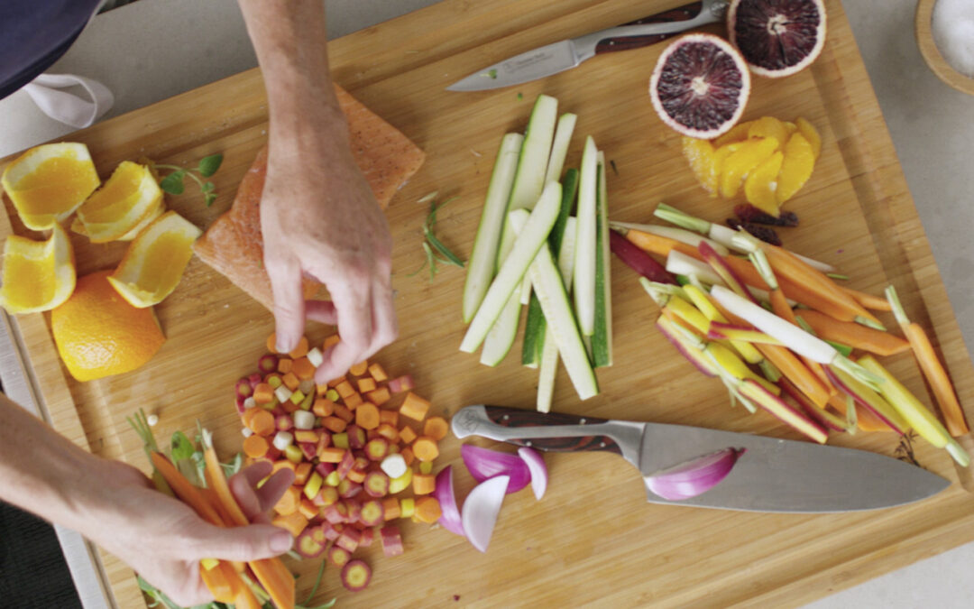 Hammer Stahl Launches Entertaining Knives